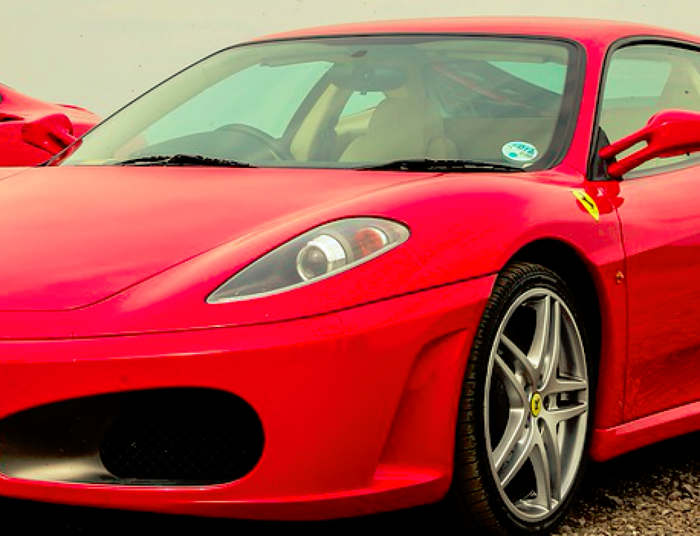 ¿Quieres conducir un Ferrari?
